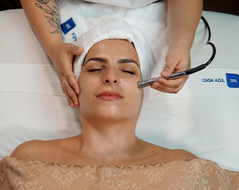 Facial Excel Therapy O2 antipolution con microdermoabrasión